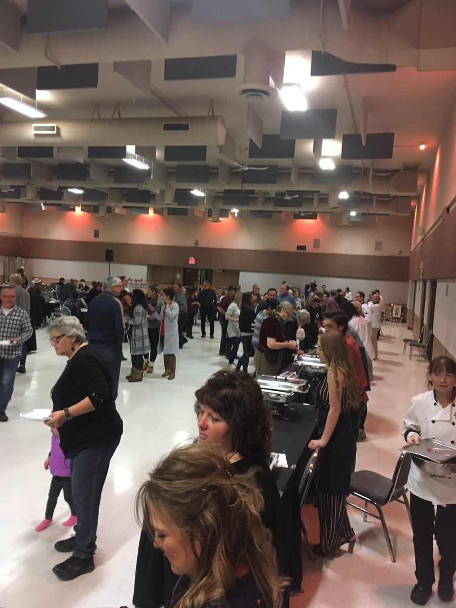 Harvest Feastival at the Lloydminster Exhibition! Now-7:30 #foodie #YLL https://t.co/2Qe5Ea0u3Z