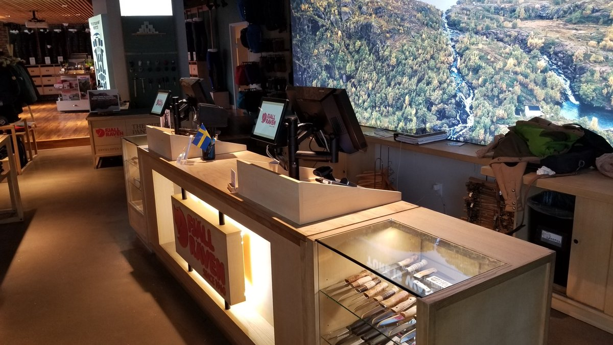 test Twitter Media - What an amazing installation at the first Fjällräven  store in Boulder. Our SpacePole Essentials combined with the @ToshibaUSA TcX Wave, customer display and printer makes an ergonomic, sleek and efficient solution. #CreatingSpacewithSpacePole https://t.co/7ZTYkY0hi4