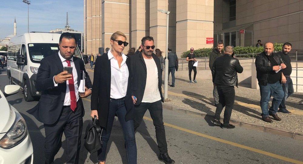 'Sıla, Nişantaşı'nda bir otelde Ziynet Sali'ye şiddet uyguladı' https://t.co/6xlLwZ7Lb2 https://t.co/haiPrwsmMY