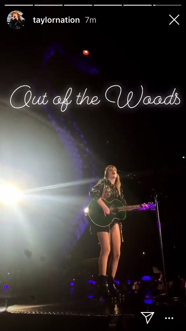 OUT OF THE WOODS🌲🌲🌲 @taylorswift13 #RepTourAuckland