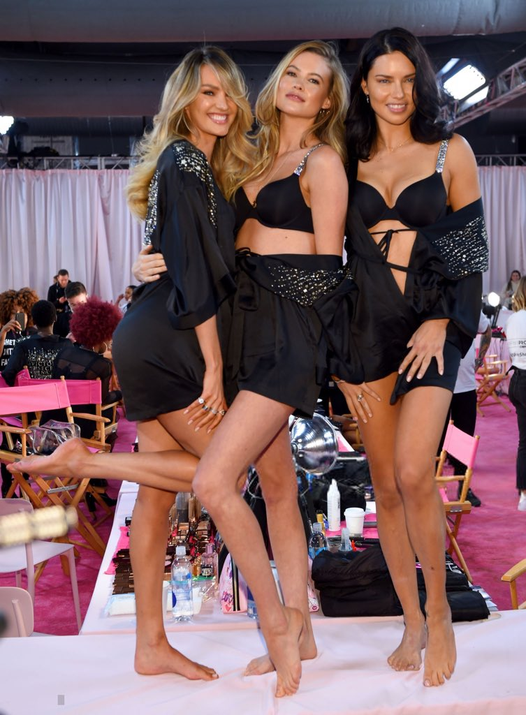 Candice, Behati & Adriana at the backstages #VSFashionShow #vsfs18