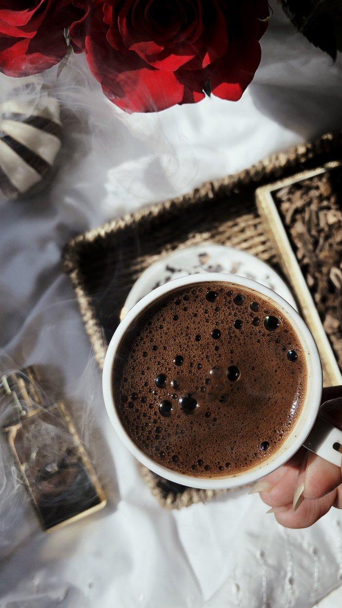𝐀𝐌𝐀𝐋 On Twitter فنجان قهوه ريحة بخور راحة بال لمة اهل الجمعه مختلفه بكل شئ