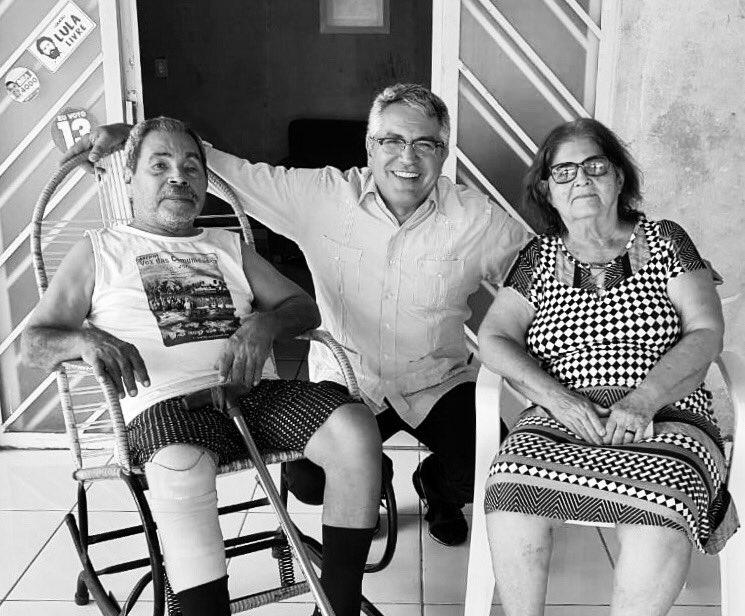 Muita emoção em Imperatriz-Maranhão, onde vim dar uma aula na Universidade e encontrar o lendário Manoel da Conceição, líder rural, que teve sua perna arrancada na luta pelos direitos dos trabalhadores e que viveu com o meu pai durante o exílio.
