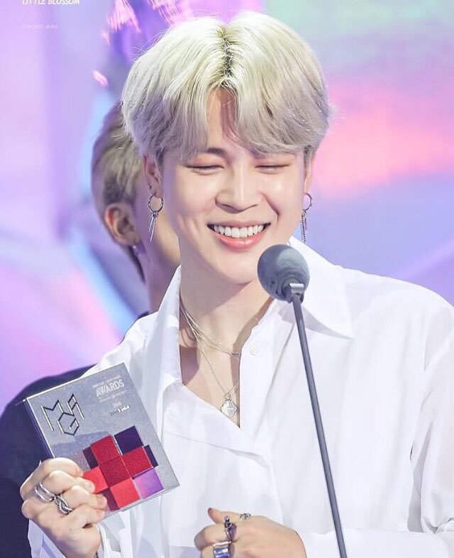 I am so proud of you Jiminah  You trained so hard during these years you deserve all the love in this world  I'll always be with you and support you no matter what!  Wish you all come to Canada soon  #JIMIN #BTS  #LOVE_YOURSELF #Awards @BTS_twt @bts_bighit<br>http://pic.twitter.com/eAnRXPwNNw
