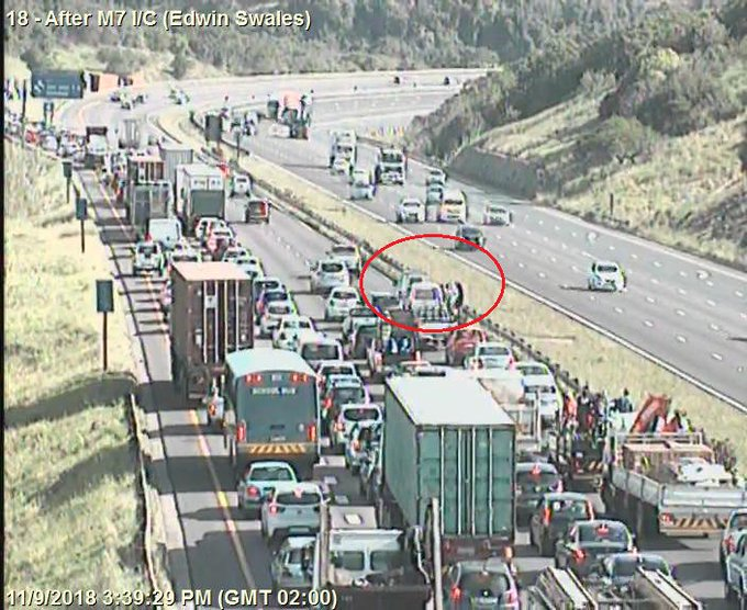 80018: Crash on N2 Southbound after N2 EB Cloete I/C. Right lane closed. Expect Delays Photo
