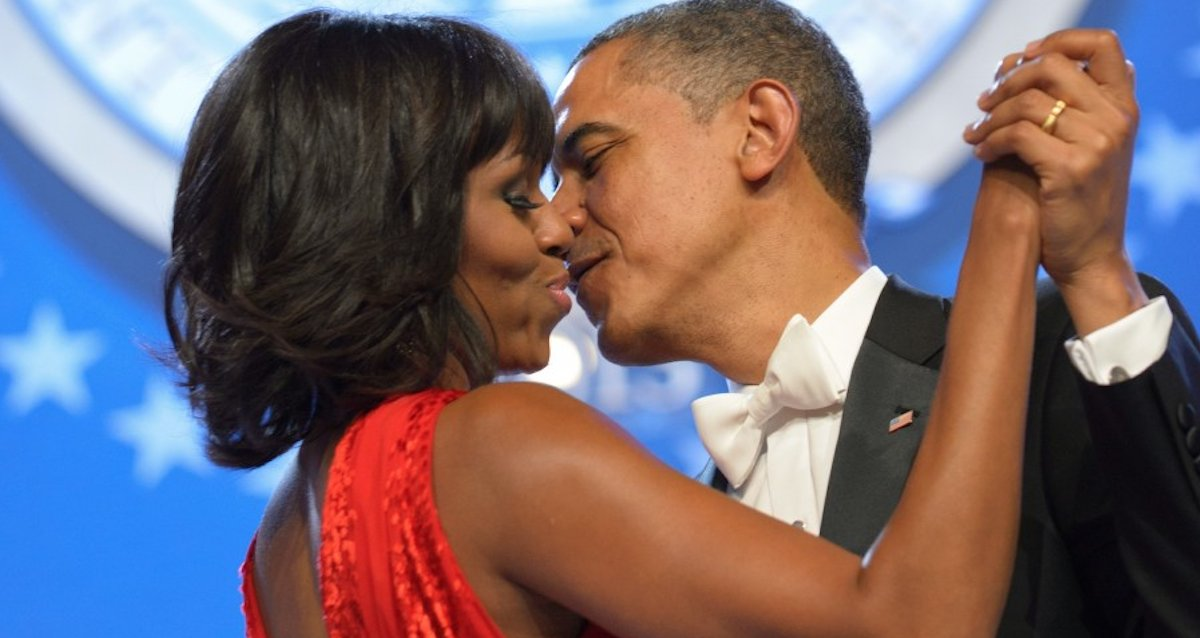 Michelle Obama opened up about her miscarriage, struggling through IVF to have Malia & Sasha and couples counseling with Barack Obama. https://t.co/MDjag5eAH0