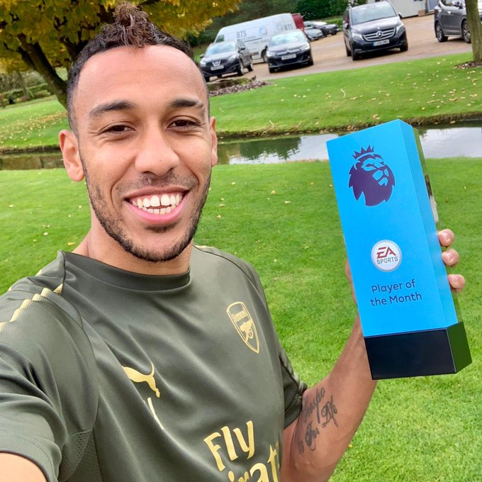 👋 Say hello to your @PremierLeague Player of the Month! 😎 🏆 @Aubameyang7 Photo