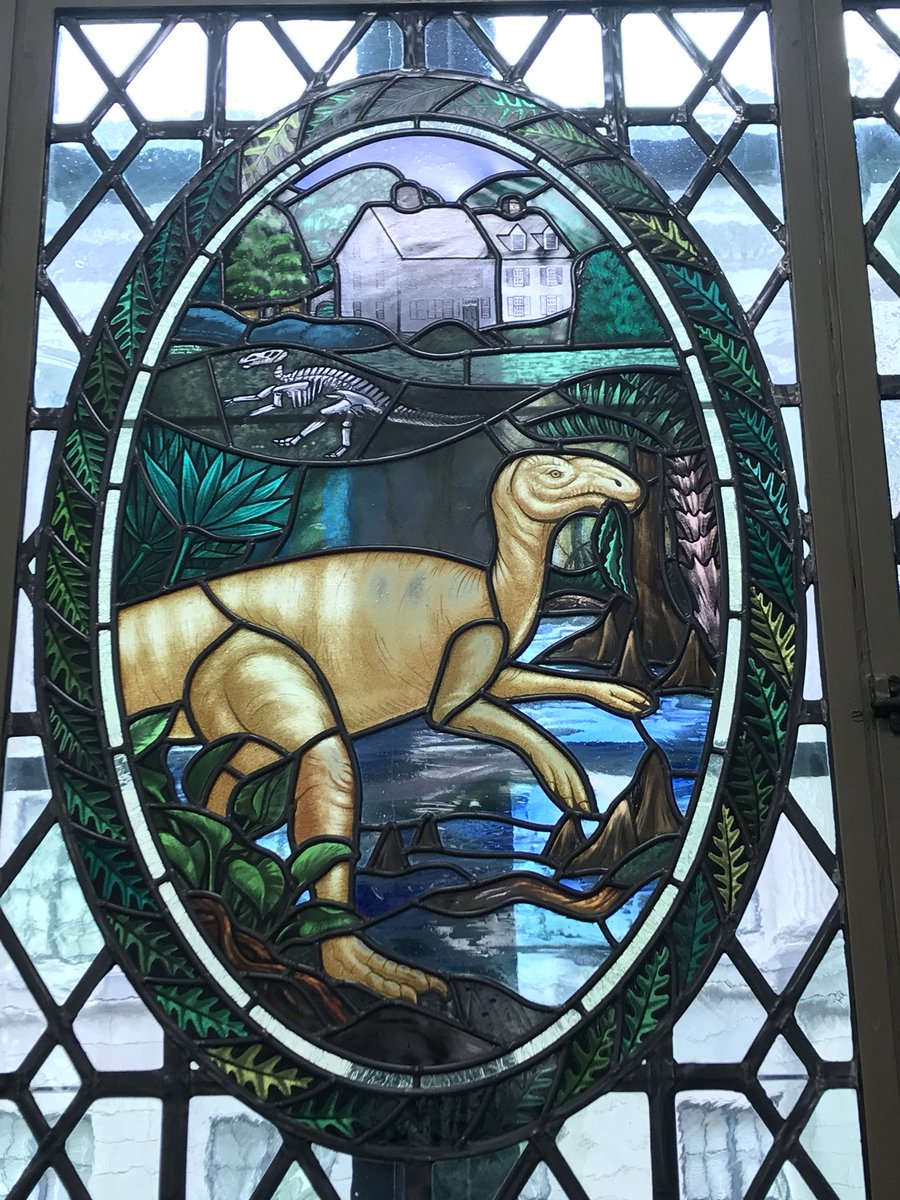 #FossilFriday Here's a stained glass window in the NJ State House Annex commemorating our state dinosaur, Hadrosaurus foulkii, the fist Dino skeleton ever put on display! <br>http://pic.twitter.com/mx7cu7xOHp