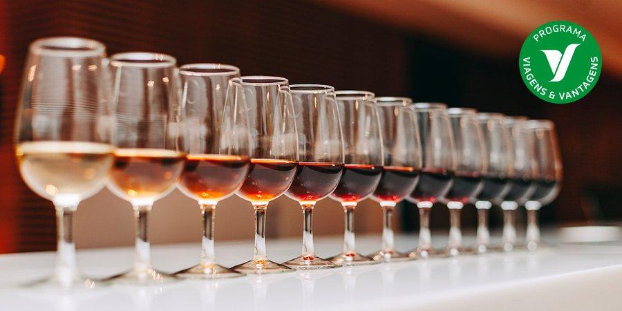 Experimente as provas de Vinho do Porto no Espaço, um  belíssimo edifício histórico do século XVIII. Algumas destas provas são harmonizadas com queijos ou chocolates. 😉 #Porto #VinhodoPorto #provadevinhos https://t.co/06M4wFGOep