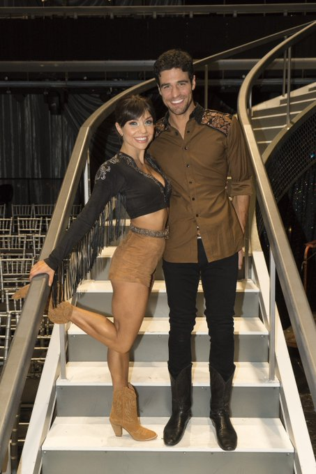 Joe Amabile & Kendall Long - Bachelorette 15 - DWTS - Discussion  - Page 11 Drlb82PWwAM_aIA