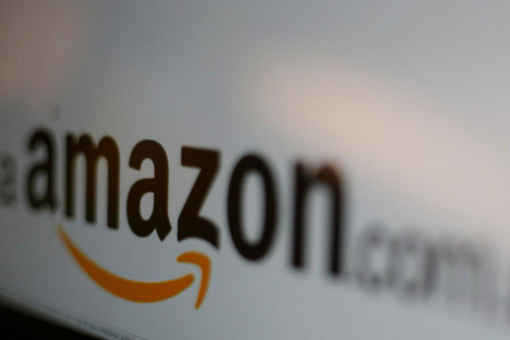 Amazon strikes deal with Apple to sell iPhones, iPads https://t.co/C0tVLx7nQe https://t.co/dVcs0LQAVE