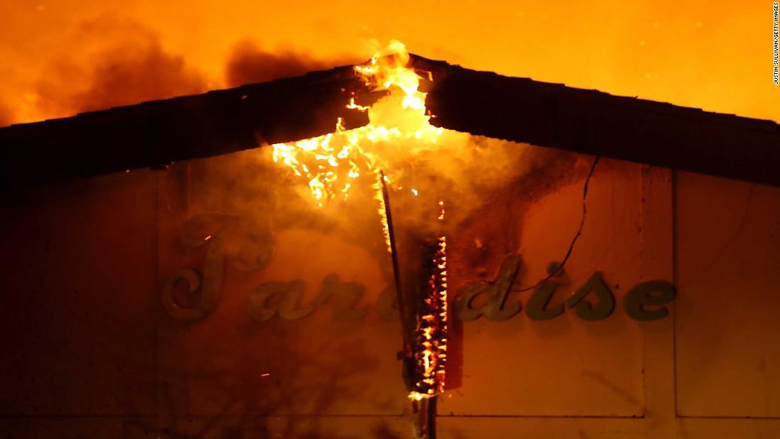 Incendio Camp destruye Paradise. Hay al menos 9 muertos https://t.co/iDFpKcXKiH https://t.co/MgIljCpuUt