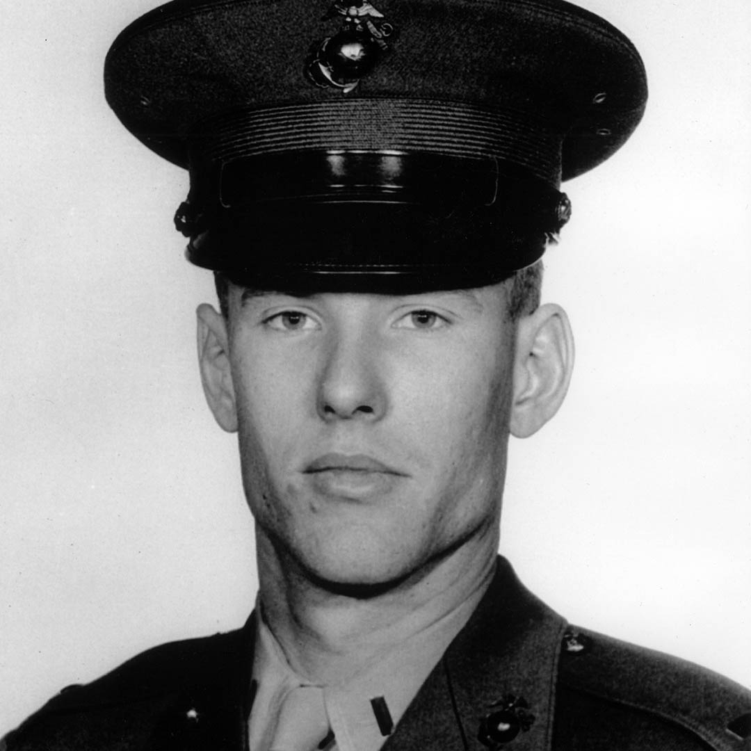 Today, we honor our veterans, including @SenPatRoberts who served in the Marines from 1958 to 1962. To all who served, thank you. #VeteransDay