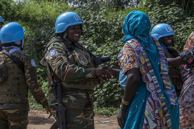 Smiles all round when women peacekeepers from Zambia who are #ServingForPeace with @UN_CAR patrol the streets of Birao town, in Central African Republic. bit.ly/2qyRUSO