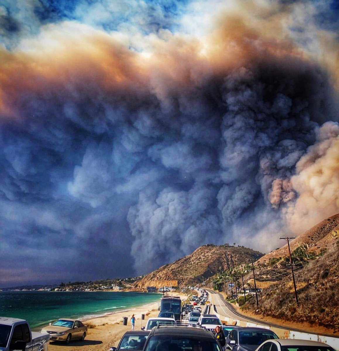 Words fail me. This is the Woolsey Fire approaching Malibu as people desparately are trying to evacuate on PCH.