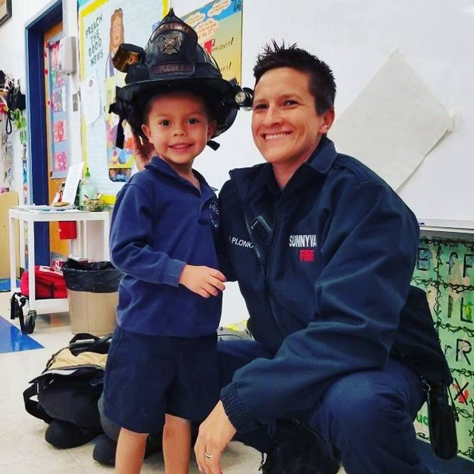 When your mom is a Public Safety Officer and you get to take her to school with you to give all of your classmates a presentation on community helpers, that's how big you smile! #FridayFeeling Photo