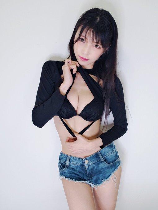 グラビアアイドル南楓のTwitter自撮りエロ画像12