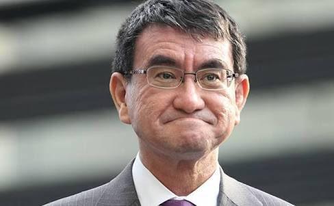 RT @zimkalee: 河野太郎大臣が口をへの字にしている写真を見ると、手塚治虫のキャラ「アセチレン・ランプ」を連想してしまうんだよなぁ。 https://t.co/pgKLTFlIib