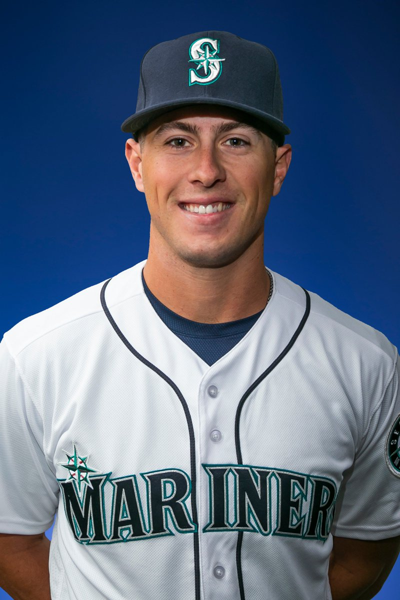 #Mariners sign free agent infielder Dylan Moore. He has appeared 4 minor league seasons with Texas (2015-16), Atlanta (2016-17) and Milwaukee (2018), batting .260 (395x1518) in 440 career games. The Mariners rosters is now at 32 players.
