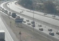 #CPTTraffic Roadworks: N1 outbound at Plattekloof Rd, right lane closed. Please approach with caution. Photo
