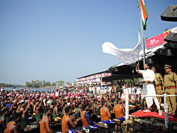Stylish Mass hero @alluarjun got a grand welcome when he graced the 66th NTBR in Kerala today. #AlluArjunAsGuestOfHonorAtNTBR Photo