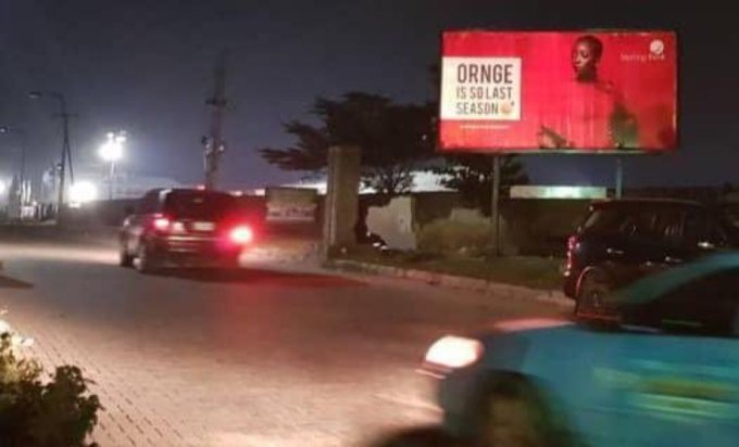 I was wrong about the Bud vs Heineken fight. The Sterling vs GTbank one is next level stuff. This is a billboard right in front of Gtbank fashion week. Savagery at its very finest with room for denial. This is the most brilliant yet subtle move so far. Photo