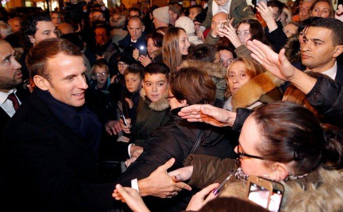 Покушение на президента Франции Эмманюэля Макрона, планировалось осуществить с помощью керамического ножа, незаметного для металлоискателей, сообщает France-2 Фото: Reuters Фото