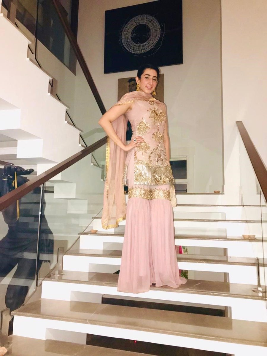 Movie Shoovy On Twitter Fairytale Fashion Designer Aamnaaqeel Is Looking Super Classy In A Gorgeous Pink Dress With Golden Details By Aamnaaqeeldesigns Fashion Style Beauty Movieshoovy Fashionpolice Fashionstyle Aamnaaqeel Https T