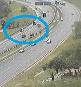 #KZNTraffic Stationary vehicle: N2 northbound before EB Cloete I/C, ramp lane obstructed. Please approach with caution. Photo