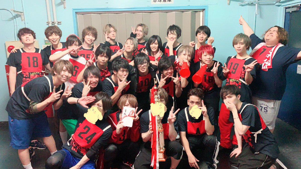 ETA運動会お疲れ様でしたー!!横浜は赤組優勝できました?赤組のみんなのパワー凄かったー!お疲れ様でした!✨全員とぱしゃり!ましおともぱしゃり!