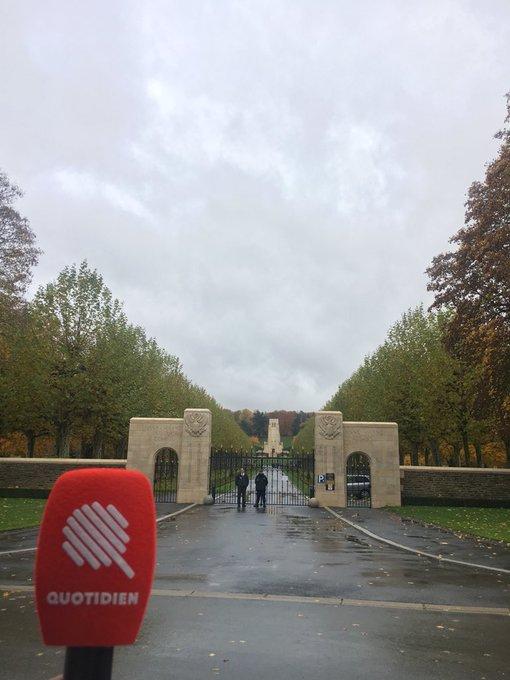 Donald Trump annule à la dernière minute sa visite au cimetiere americain du Bois Belleau. Officiellement pour des raisons météorologiques. La pluie empêcherait son hélico de venir de Paris. #BelleauWood Photo