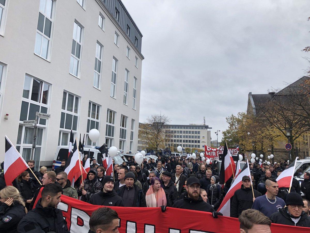 10 November: Bielefeld Hauptbahnhof, 13.00 Uhr! DrpOqH6XgAEnKGa