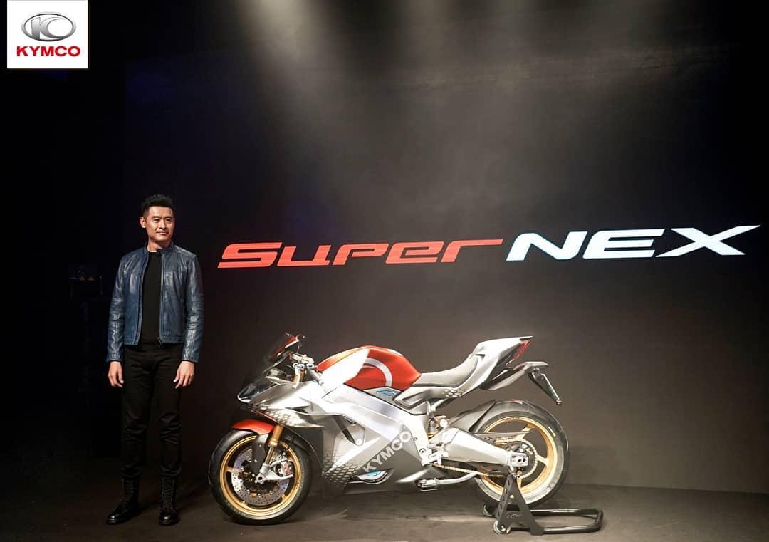 Introducing SuperNEX. A game changer for electric superbikes #kymco #supernex #bike #electricbike #exposition #eicma2018 #italia #eicmagirls #motobike #moto #kymco #racingking150i #kxct200i  #downtown250i #xciting400i #kymcoindonesia #electric #powersports #motorcycles #motorbikepic.twitter.com/1qyU99ijX8