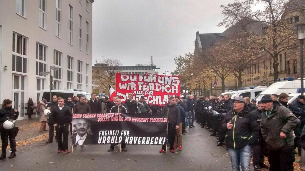 10 November: Bielefeld Hauptbahnhof, 13.00 Uhr! DrpYkrpWsAAFvs4