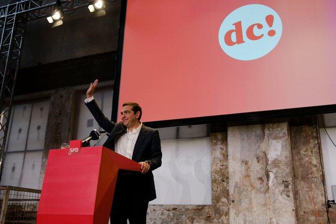 Η Αριστερά, η Σοσιαλδημοκρατία, οι Πράσινοι και άλλες δυνάμεις, πρέπει να αφήσουμε στην άκρη τις υπαρκτές διαφορές μας, οι οποίες έτσι κι αλλιώς φαίνονται μικρές, μπροστά στους μεγάλους κινδύνους και τα μεγάλα επίδικα που έχουμε μπροστά μας. #SPD #SPDdc Foto