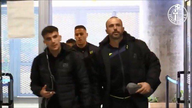 RT @GetafeCF: ¡Así ha sido la llegada del equipo al Coliseum! 💪💙  #VamosGeta #GetafeValencia https://t.co/QsXe0ex6kU