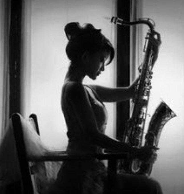 #ScrivoDiMusica perché frequentare Platone ? Quando anche il suono di un sassofono ci fa intravedere un altro mondo .... cit Foto