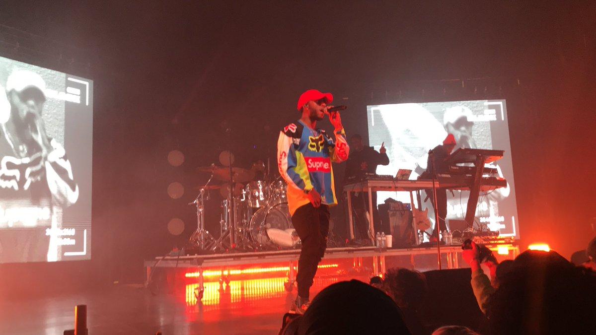 The @6LACK concert last night was toooooo fire. Highkey one of my favorites ever. 🔥🔥🔥