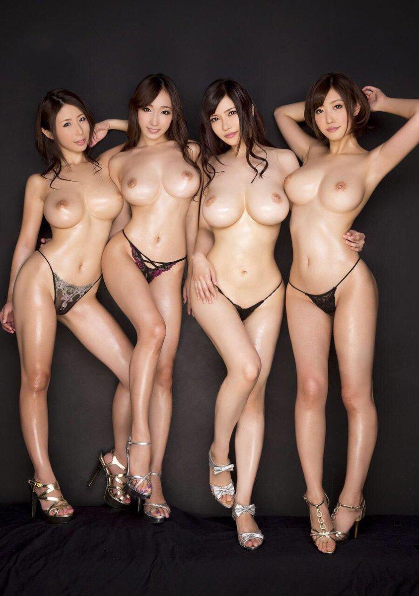 день фото азиатских моделей голых принявших ноль