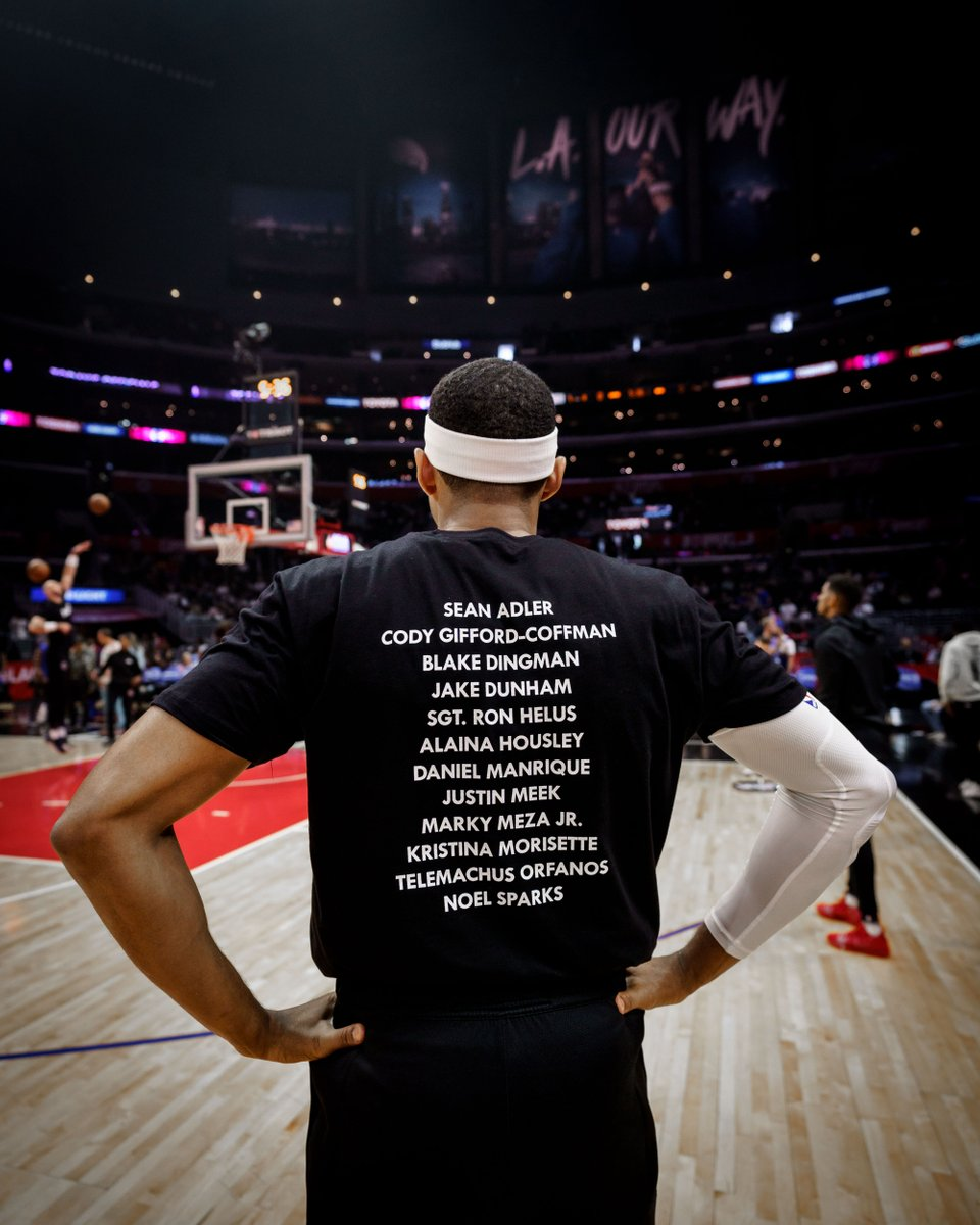 Clippers host t-shirt fundraiser, blood drive in honor of Thousand Oaks shooting victims