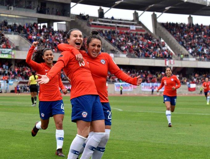 La selección chilena femenina frenó con una destacada actuación el favoritismo de Australia y terminó imponiéndose por 3-2, en pleito jugado en el Panthers Stadium de Penrith y que sirvió de preparación para el Mundial de Francia 2019. Photo
