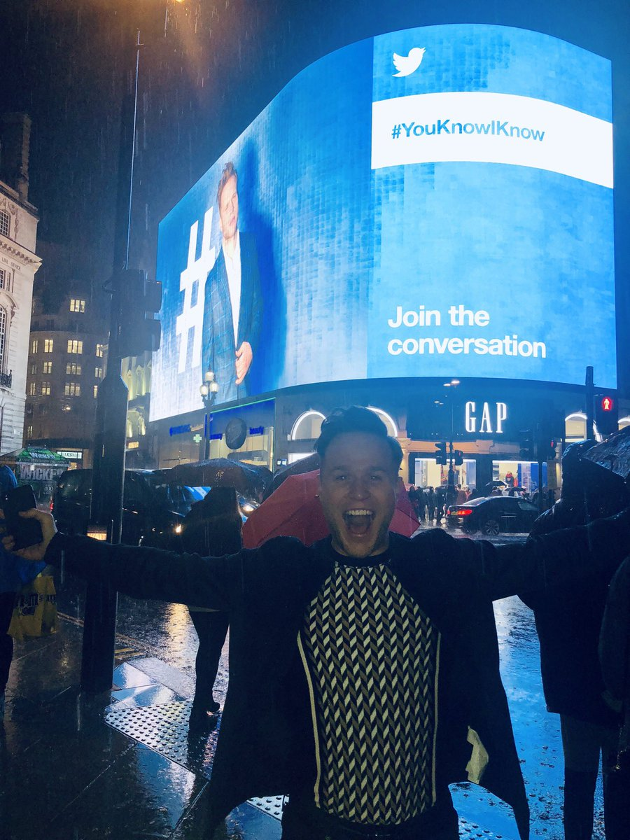 Taken over the big screen in PICCADILLY CIRCUS! 😝🤪👀 @TwitterUK legends!! #YouKnowIKnow #outnow