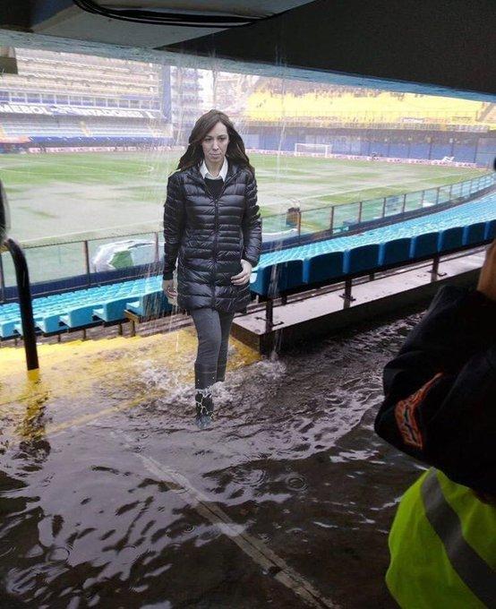 Está gente iba a resolver el problema de las #Inundaciones en la provincia de #BuenosAires y no pudieron resolver ni las de la cancha de Boca. PARTIDO SUSPENDIDO Foto