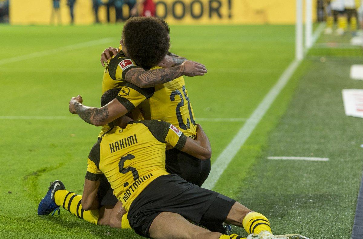 💪 JAAAA! Was für ein Spiel! WAS FÜR EIN SIEG!   Borussia Dortmund 🆚 @FCBayern 3⃣-2⃣   #BVBFCB https://t.co/xMO9M7wl2b