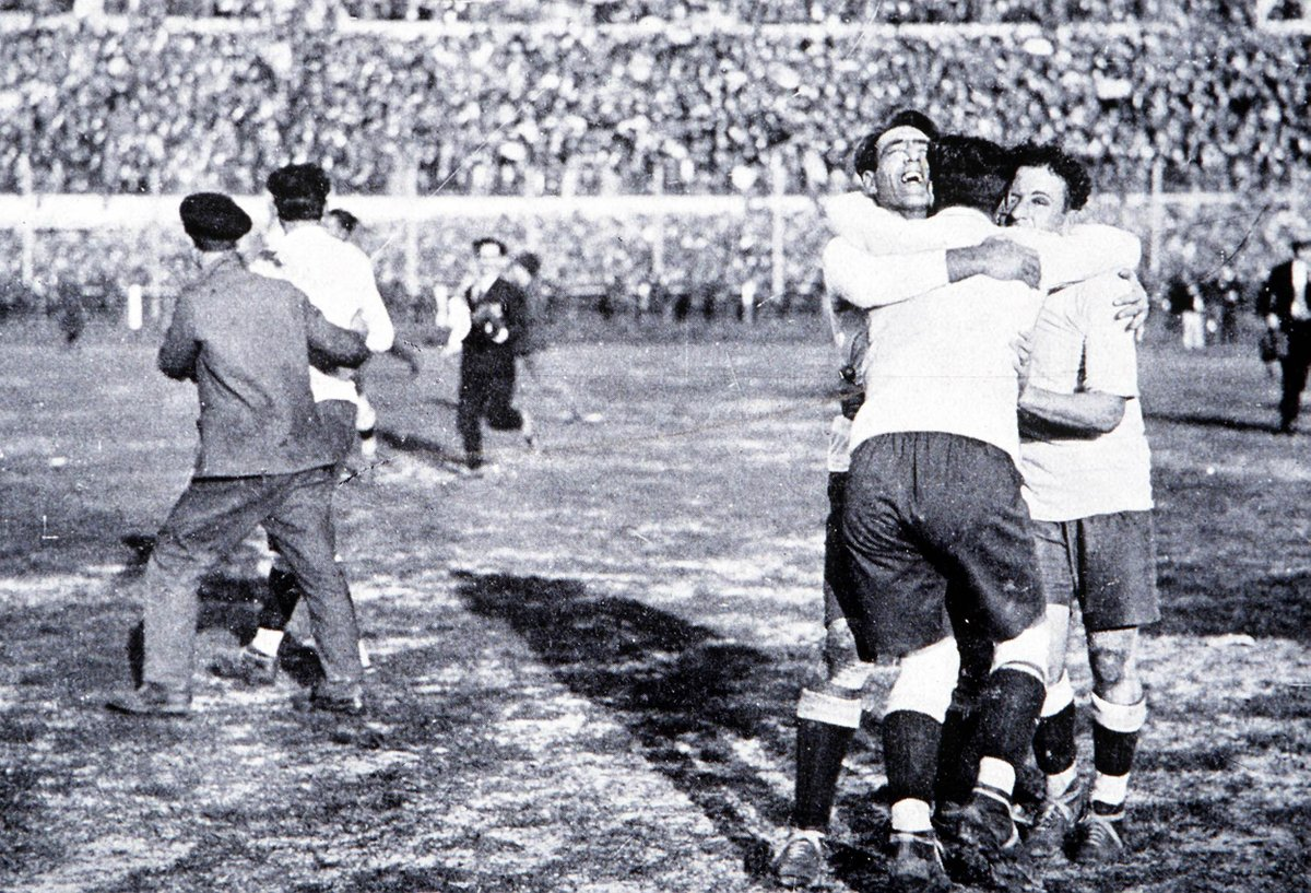 🏆1️⃣9️⃣3️⃣0️⃣ 🏆1️⃣9️⃣5️⃣0️⃣ The two #WorldCup titles that are the proud possession of our Team of the Week 🇺🇾@Uruguay!🙌
