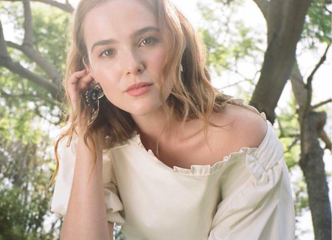 Happy birthday to my real life lucy hutton, i love you zoey deutch