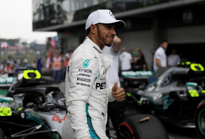Hamilton on pole in Brazil, Vettel summoned to stewards Foto