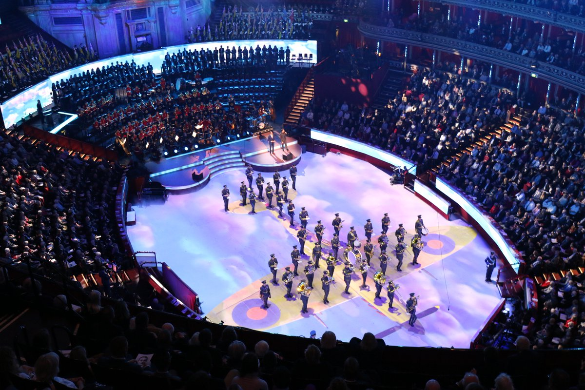As well as marking the centenary of the end of #WW1, 2018 is also the 100th birthday of the @RoyalAirForce #FestivalofRemembrance #RAF100 https://t.co/8YFJ8AGwkT
