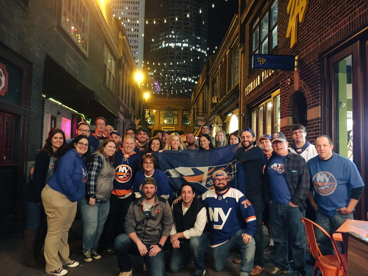 This group is almost as pretty as the skyline of Charlotte.  We are all #onlydiehards @NYIslanders #isles  #islesmeetups #tidesrising <br>http://pic.twitter.com/bJW5k9knsR &ndash; à The Upper Deck