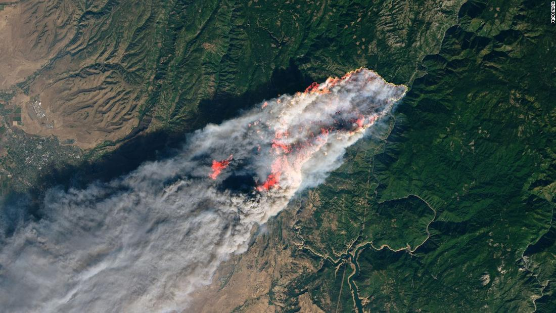 a9232ce2fd1 Here s what California s wildfires look like from space https   t.co